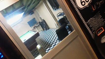 ビリヤード室