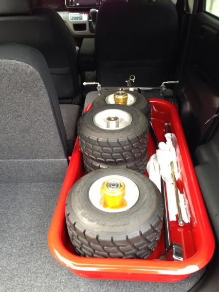 軽自動車 N-ONEにローダウンラジオフライヤーを積む1